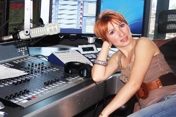 Mine Ayman Radyo Müzik ile Anlaştı!