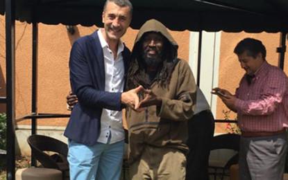 Afrikalı Ali Afrika'da!